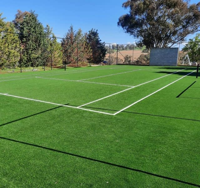 Today is Tennis Tuesday ! 🎾  Did you ever wonder how to install synthetic turf for a tennis court ?   Here is a nice example by @iconicoutdoorsorange team :  1. Take our Club 40 green, perfect medium ITF pace rated turf 💫 2. Add sand infill (a lot) ⏳ 3. And most importantly trust the knowledge of a great installation team ! 💪  Great job on this court guys !