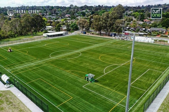 ⚽️ Soccer Fields Wednesday! ⚽️  A bit of sport today, sharing the job completed by @turf_one and #thomasgreenlandscape at Esther Park, VIC.  Here the teams installed :  ✅ 360 XL 50-13 synthetic turf : One of our most popular system ! Natural look, exceptionally durable, soft and player friendly, yet ideal for ball-surface interaction ! ⚽️  ✅ Promax Hydroflex infill : made from 70% of the same polymers as our high quality turf combined with up to 30% of PE from recycled turf fiber from end-of-life pitches.   Looking terrific, nice job guys ! 💪