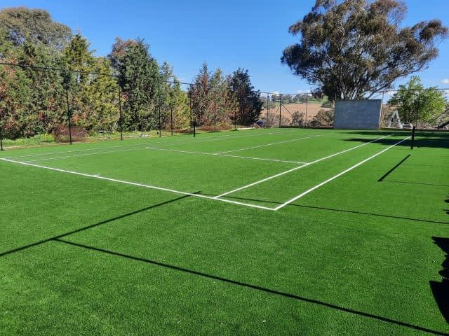 #FieldTurfAustralia Club 40 shines once again! Check out this project by @iconicoutdoorsorange in #BathurstNSW!  #ArtificialGrass #SyntheticTurf #ArtificialTurf #SyntheticGrass #TennisCourt #TennisCourts #synthetictenniscourt #synthetictennisgrass #tennisislife🎾 #tennis #sportslandscape  #sportslandscapes #sportslandscaping #nswlandscape #nswlandscapes #landscaping #Bathurst #NSW #Australia
